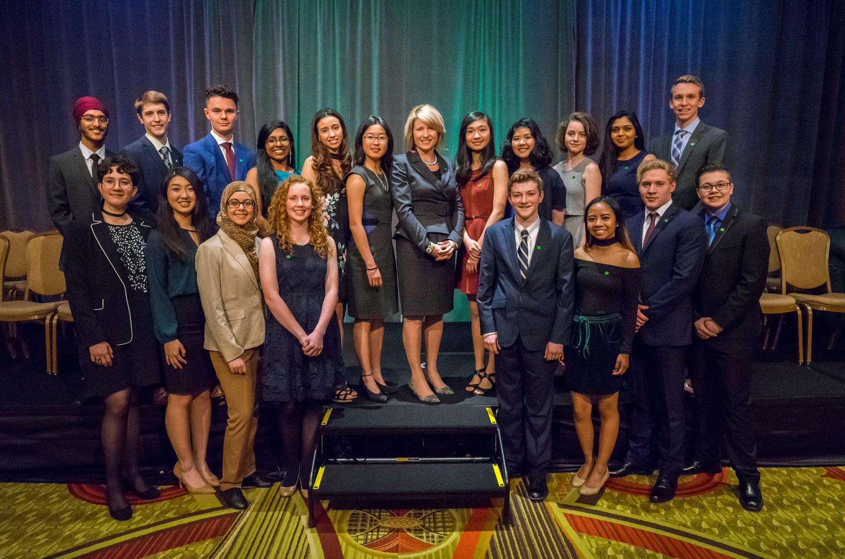 Canadian Scholarships For Community Leadership Td Canada